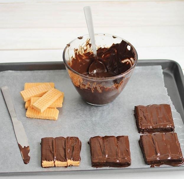 DIY Tastes Better: How to Make Homemade Kit Kat Bars in Any Flavor, Color, or Size You Want