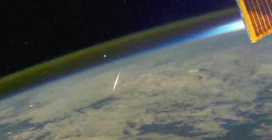 Auroras Underfoot: Watch Amazing Orbital Video of Geomagnetic Storms in Earth's Atmosphere