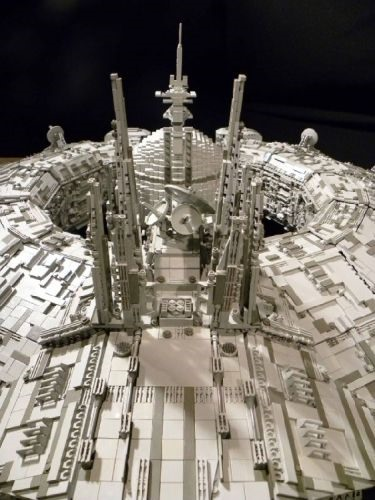 Man Spends 2 Years & 30,000 LEGOs Building Star Wars Ship