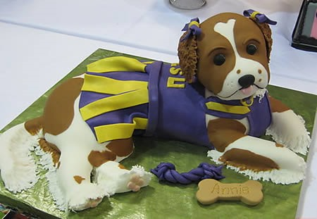 Cute Enough to Eat: 12 Finely Crafted, Edible Dogs