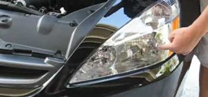 Install HID Xenon headlight bulbs in a Honda Accord