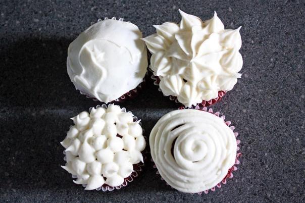 RECIPE: Simple & Delicious Cream Cheese Frosting « CAKES! CAKES ...