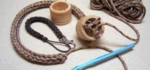 Make a paracord using a knitting spool