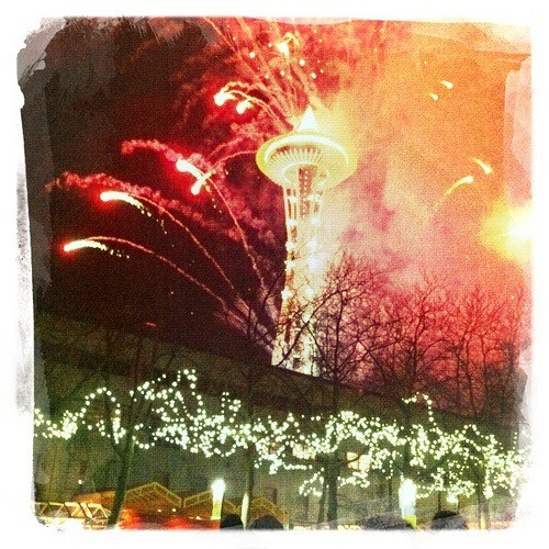 Get Inspired! 20 New Year's Eve Photos Taken with Cell Phones