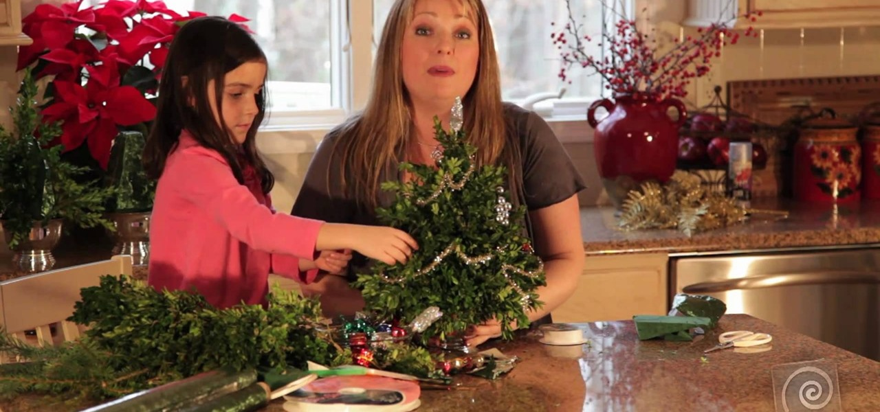how to make and decorate a miniature boxwood christmas tree christmas ideas wonderhowto
