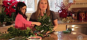 Make and decorate a miniature boxwood Christmas tree