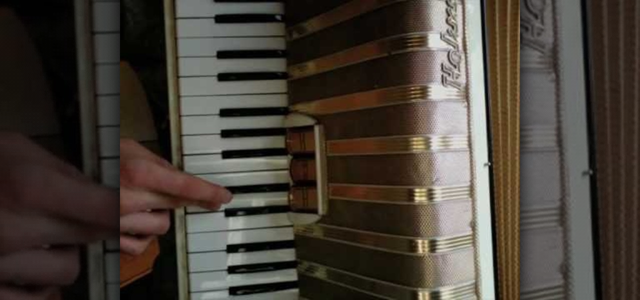 how to play button accordion
