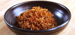 Make Korean stirfried dried anchovies, myulchi bokkeum