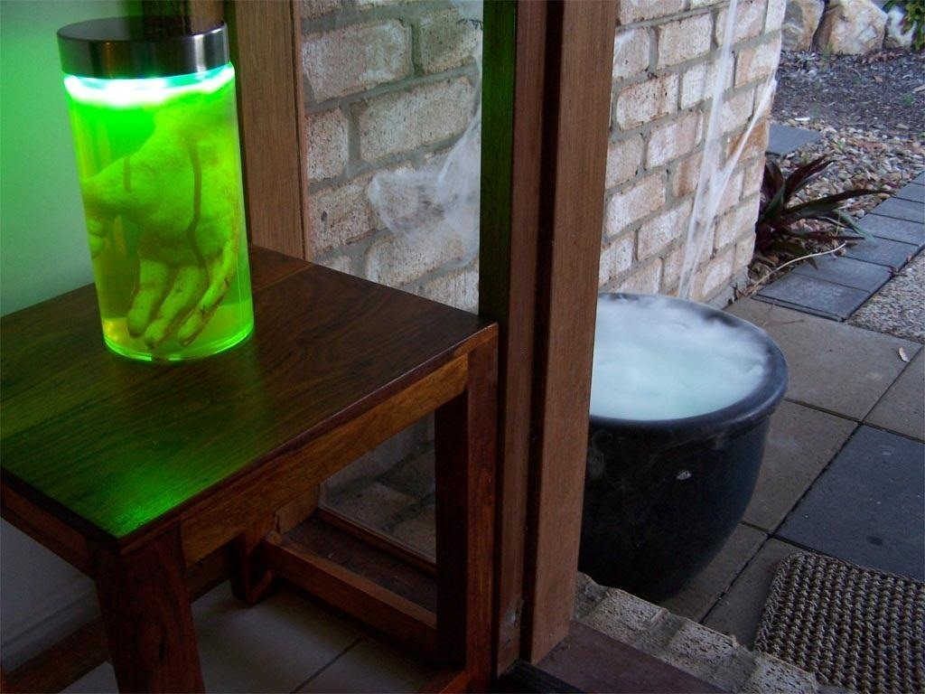 How to Make Your Own Glowing Green Fluorescein (Fluorescent Dye)