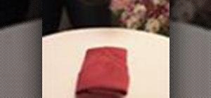 Fold a napkin in a roll (Pliage rouleau)