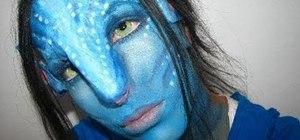 "Create an ""Avatar"" Na'vi girl makeup look for Halloween"