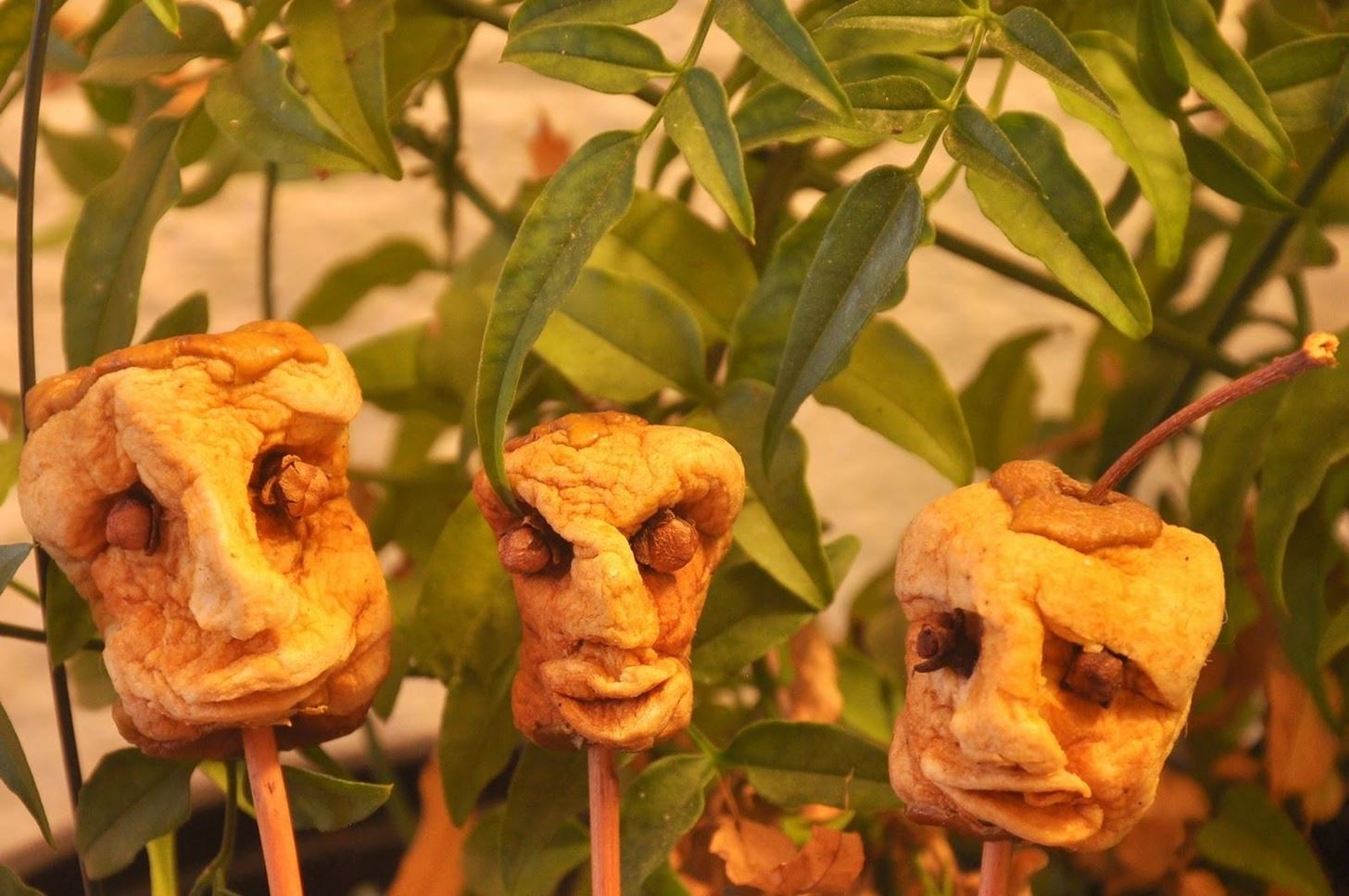 Halloween Food Hacks: How to Make Shrunken Heads Out of ...