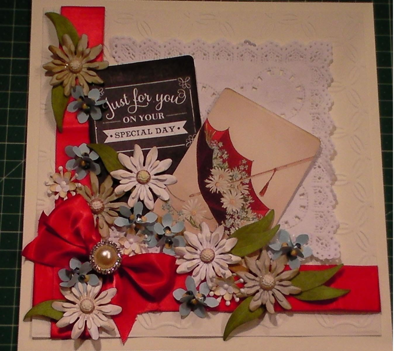 How to Make a Glorious Vintage Daisy Collage Card