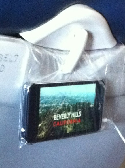 3 Easy In-Flight Hacks for Hands-Free Movie Watching on Your Smartphone or Tablet