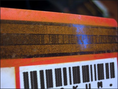 HowTo: Use Science to Decode a Credit Card's Secret Data