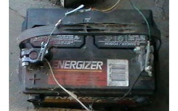 Car battery test for dead cell voltage