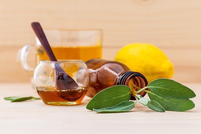 10 Quick & Easy Herbal Drinks That Relieve Aches & Pains