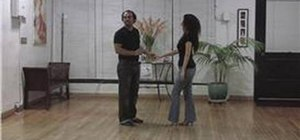 Do basic partner Bachata dance