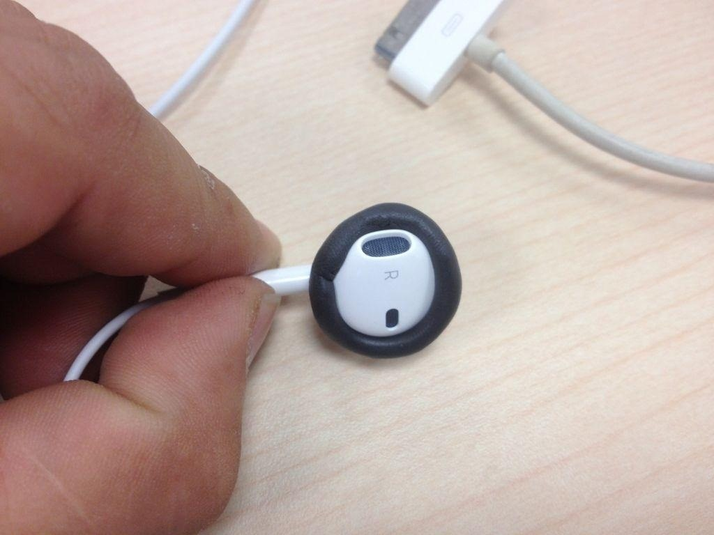 How to Make Your New Apple EarPods Fit Better in Your Ear ...
