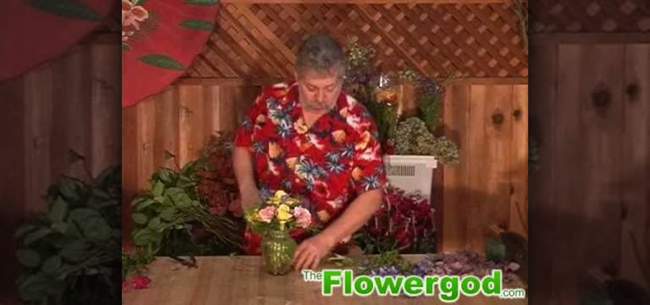 How To Design A Small Old Fashion Flower Arrangement For