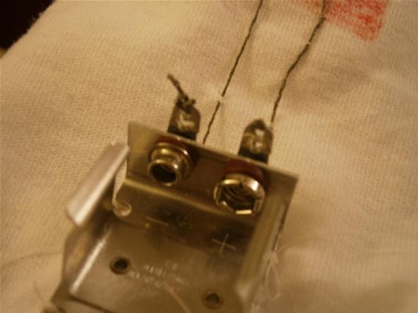 This DIY Soft-Circuit Military Tech Lets You Power Electronics Using Your Clothes