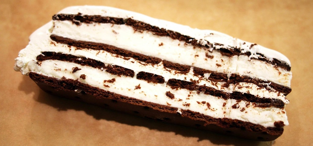 Make a No-Bake Ice Cream Sandwich Cake in 10 Minutes