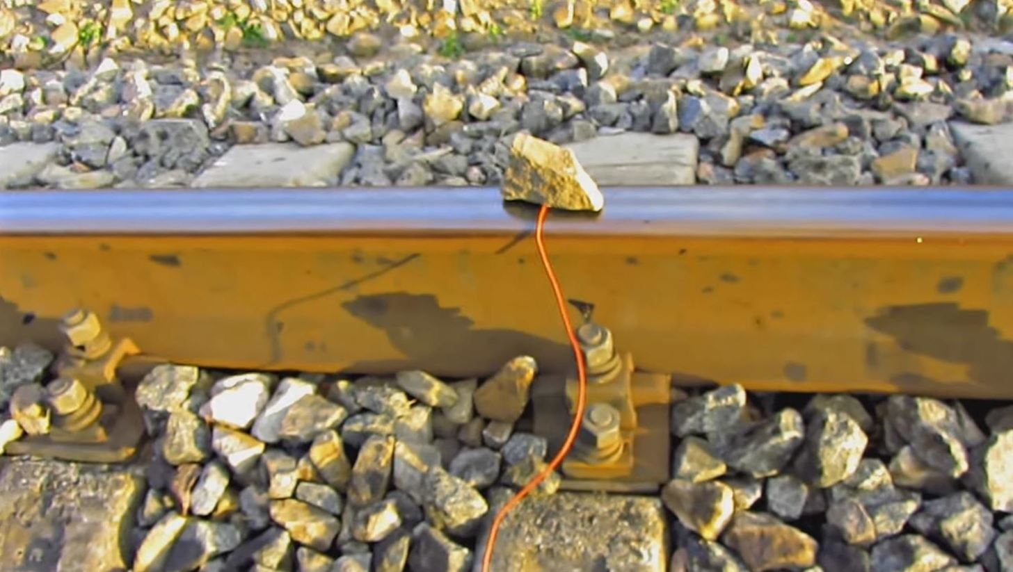 How to Charge a Cell Phone on Train Tracks