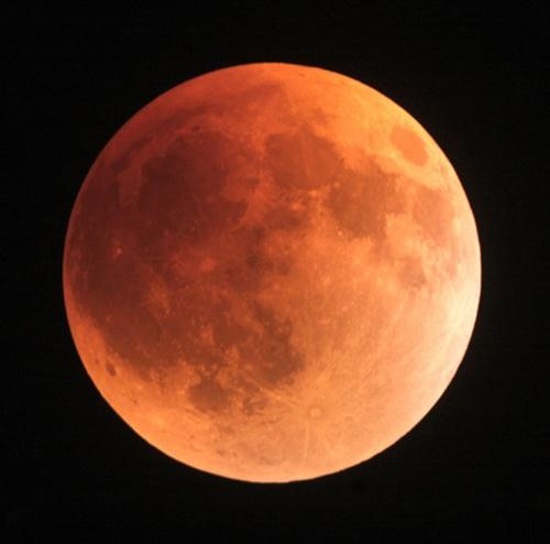 Total Lunar Eclipse Early Morning Tomorrow (December 10th) in North America