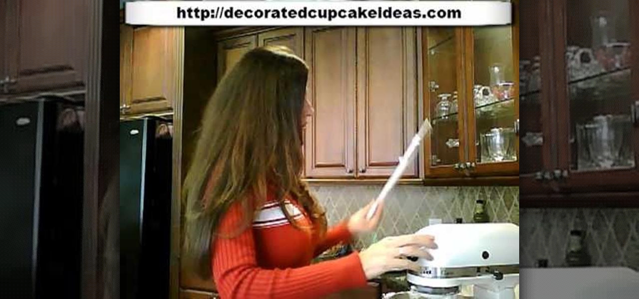 How to make professional quality cake decorator 39 s icing for Professional decorator