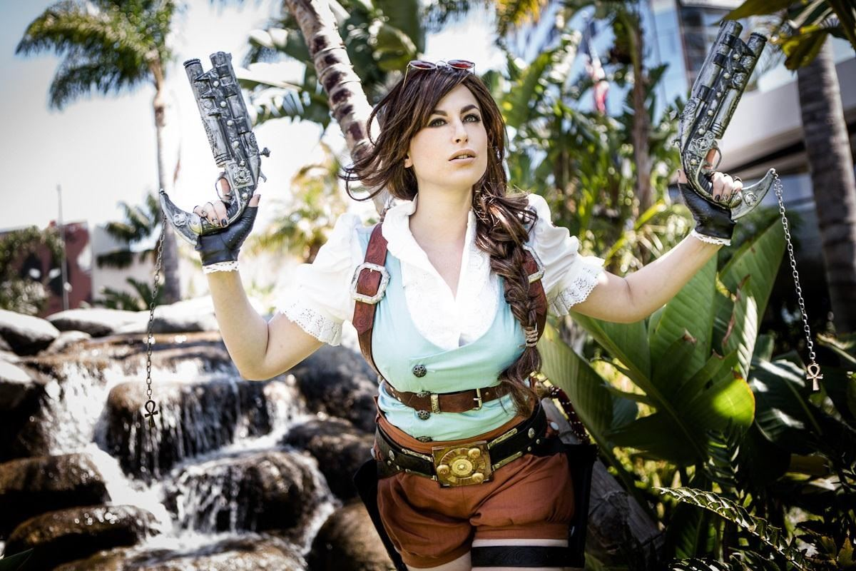 Steampunk Lara Croft Cosplay from Tomb Raider