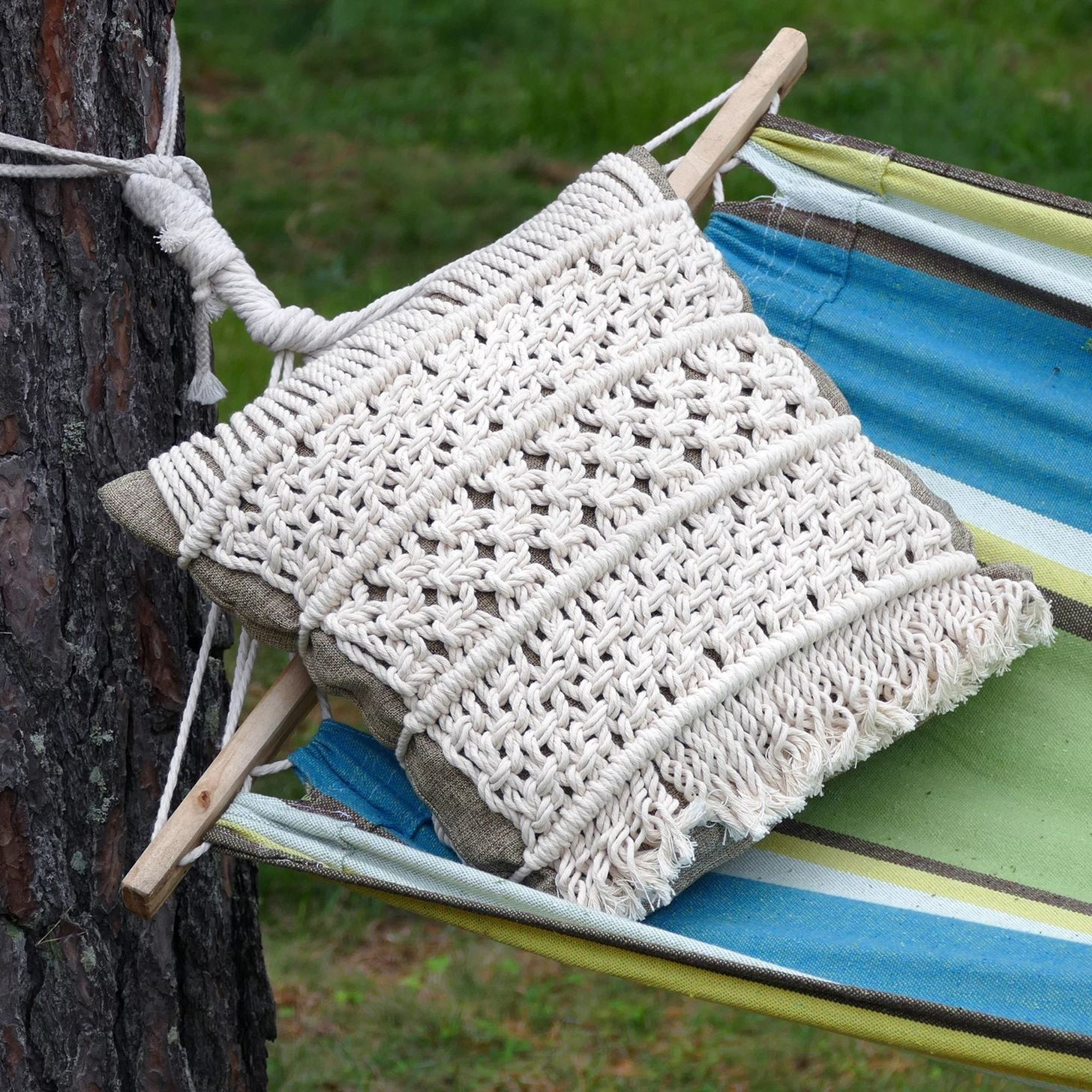How to Make Macrame Pillow