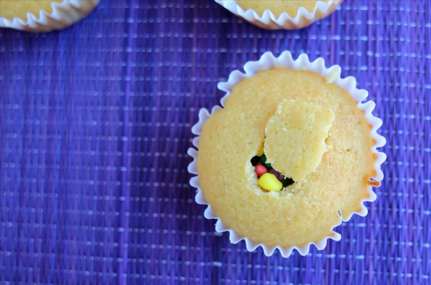 Surprise! These Clever Piñata Cupcakes Will Delight Your Friends