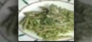 Make chestnut pasta with pesto