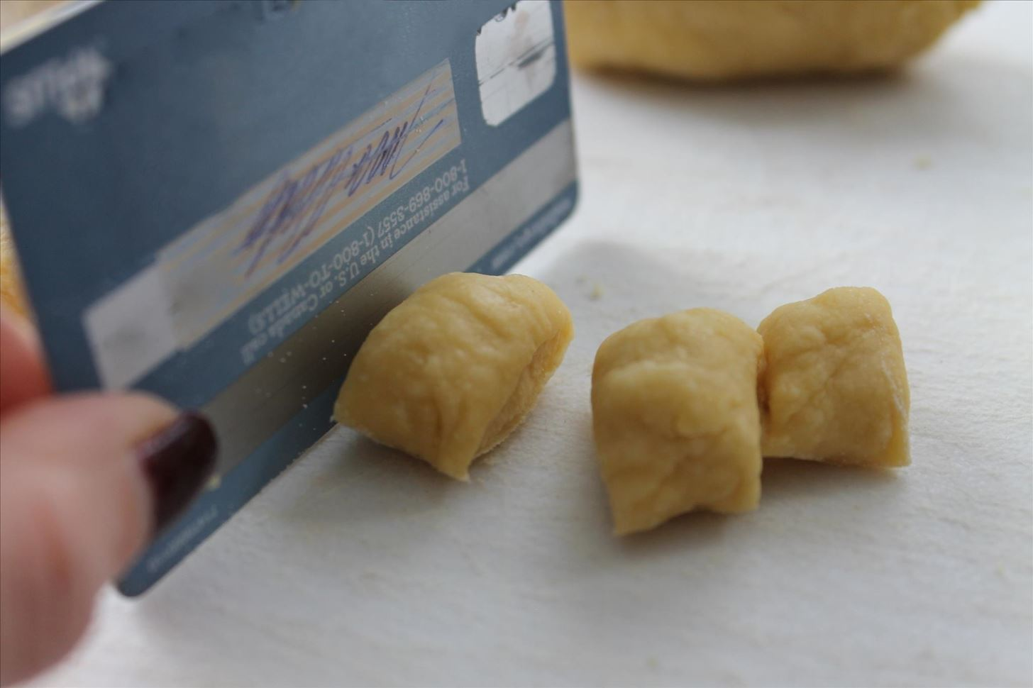 No Knife? Use Your Credit Card to Cut Food Instead