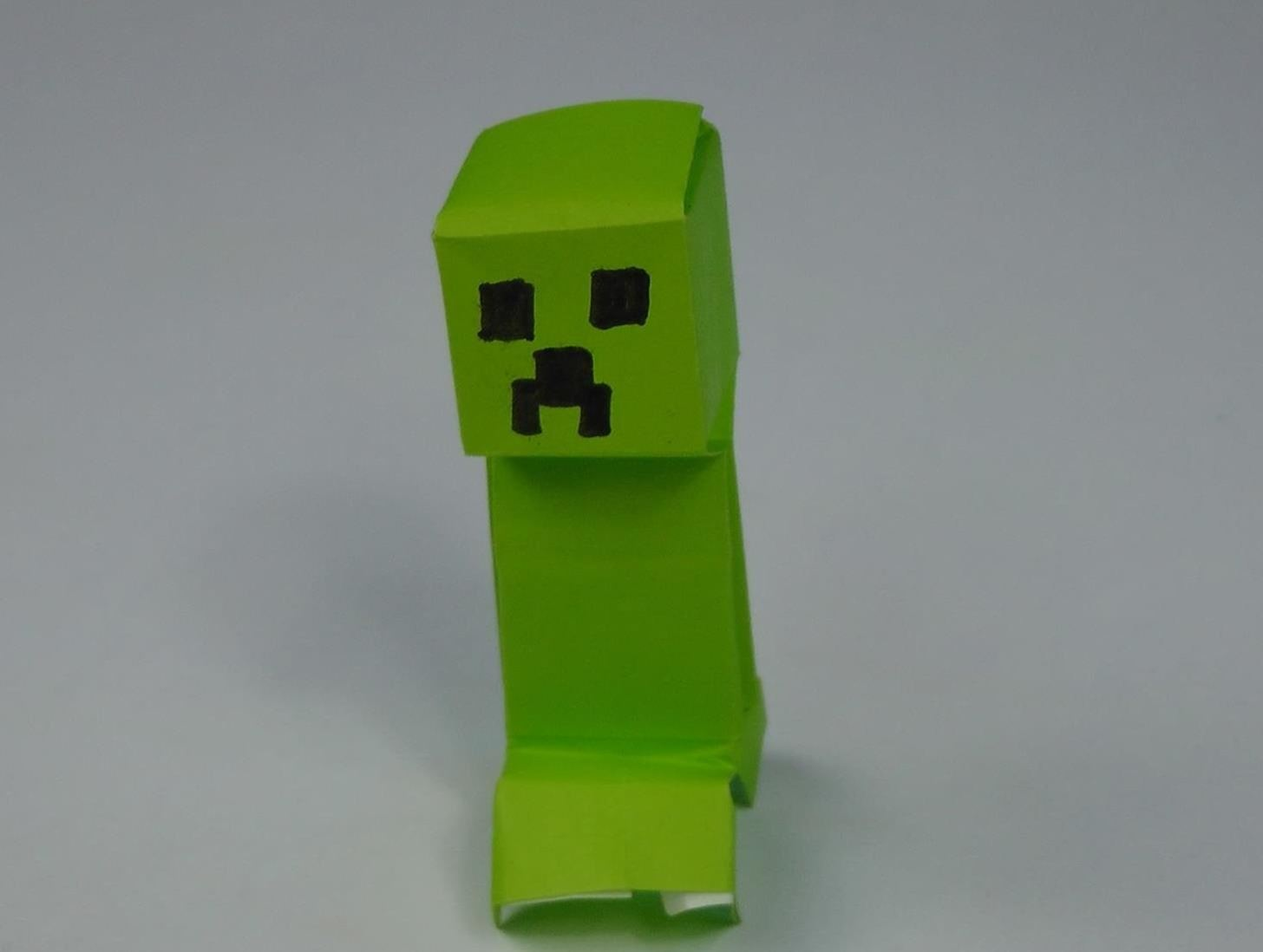 How to Fold a Simple Minecraft Creeper