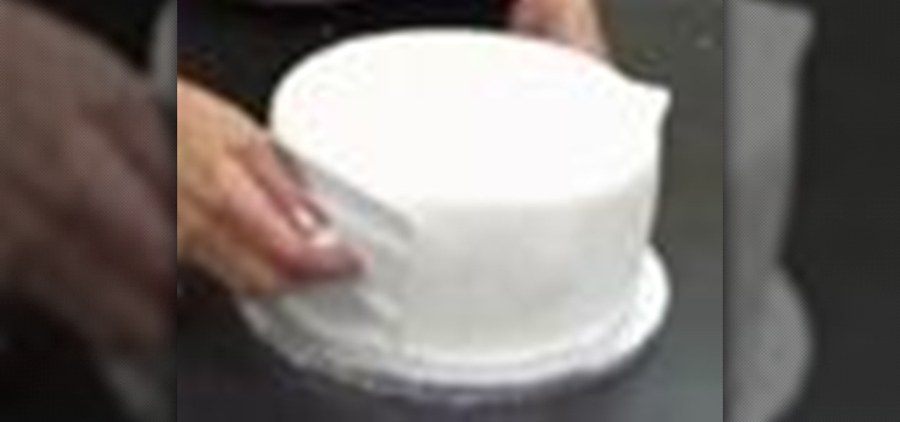 Cover a Cake with Rolled Fondant