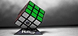 Solve a Rubik's Cube with famous speedcuber Tyson Mao