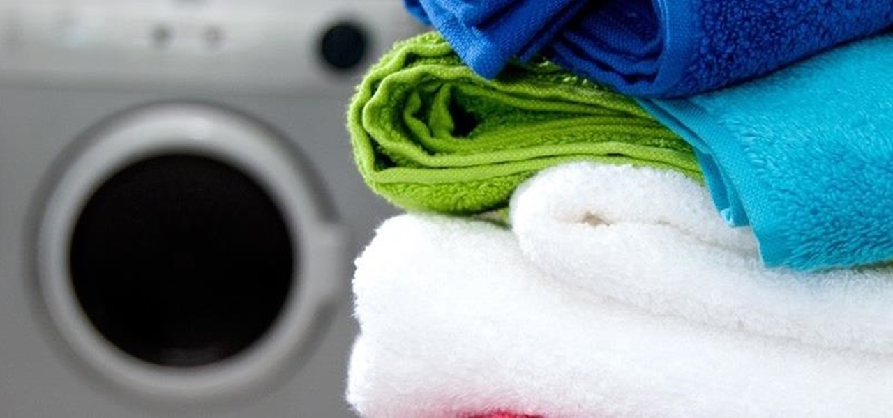 Use Vinegar & Baking Soda to Fluff Up Worn-Out Bath Towels