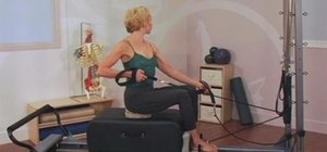Rotate your thoracic area on a Pilates Reformer