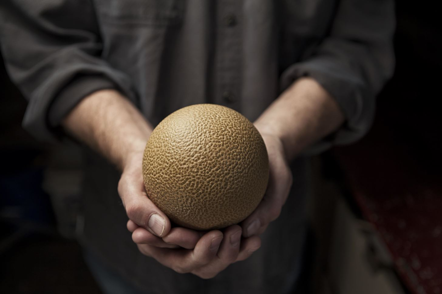 The Japanese Art Form That Turns Ordinary Dirt into Perfect Mud Spheres