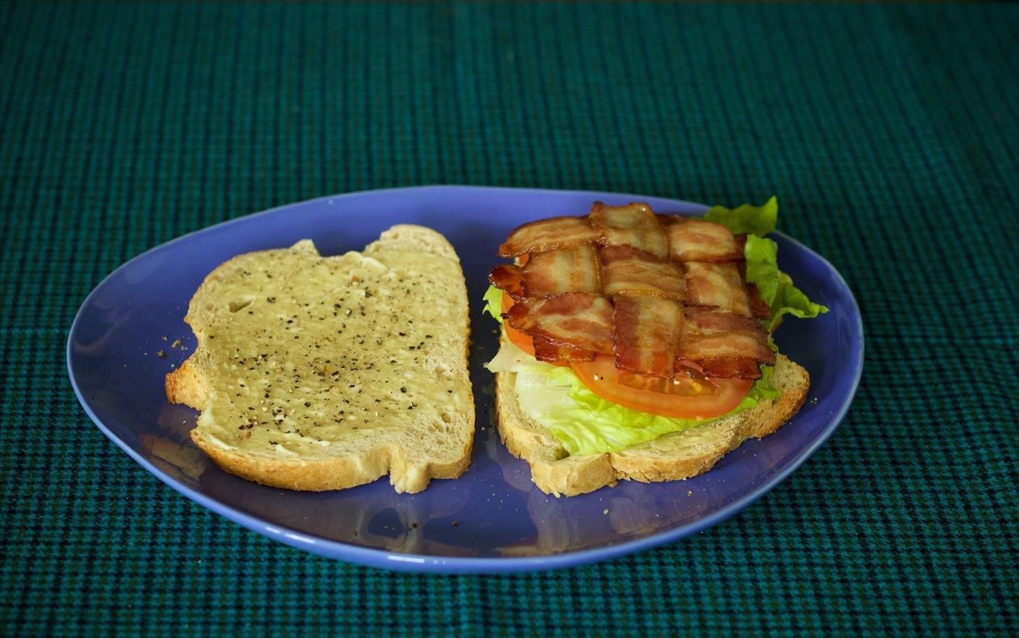 Weave Your Bacon for Better Burgers & Sandwiches
