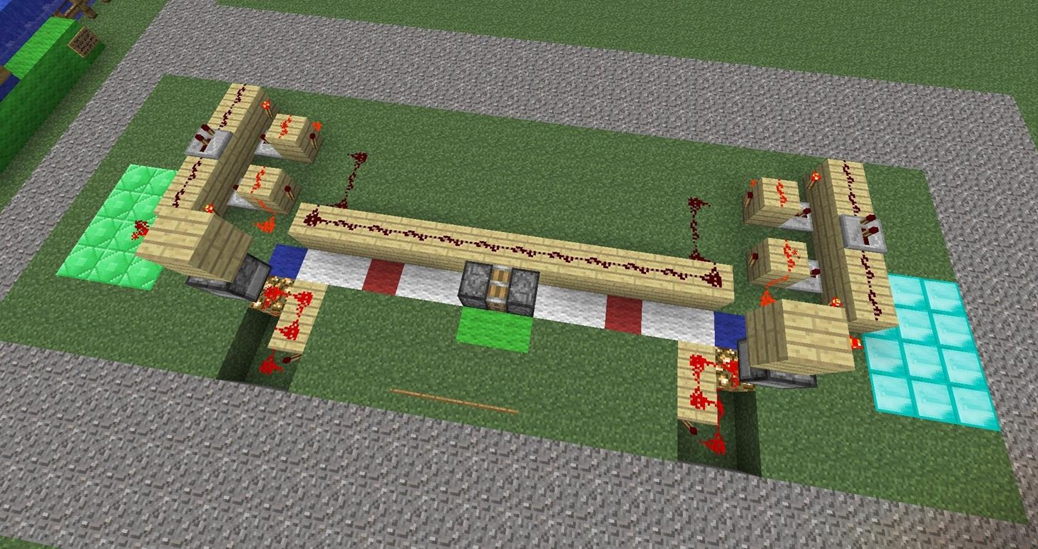 How to Build a Piston-Train Tug-O-War Game in Minecraft 1.3.