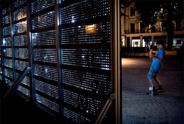 The World's First LED Buddha Board Delivers Evaporative 'Water Light Graffiti'