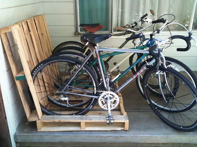 Need a Place to Store Your Bike? Try One of These Cheap and Simple DIY ...