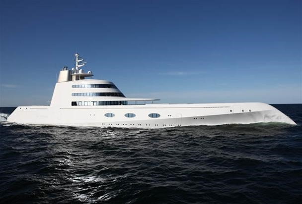 Russian Billionaire Drops $300 Mil on James Bond Style Yacht