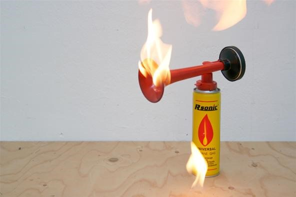 HowTo: Make a Foghorn Flamethrower