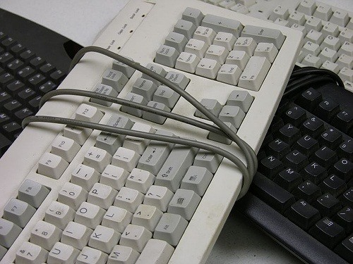 5 Cool DIY Projects for Reusing Your Old Computer Keyboards