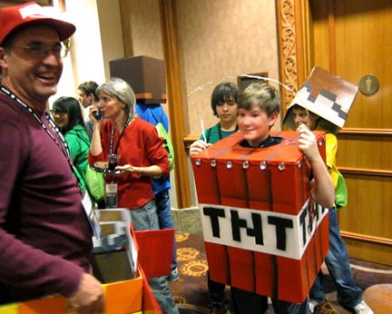 20 Amazing Minecraft Costumes at MineCon 2011  sc 1 st  Minecraft - WonderHowTo & 20 Amazing Minecraft Costumes at MineCon 2011 « Minecraft :: WonderHowTo
