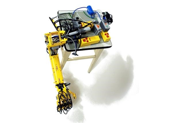 Fully Articulated LEGO Arm Mimics Human Movement