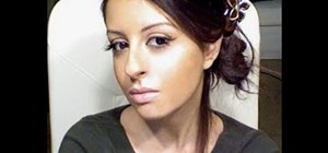 Create Eva Longoria's sunkissed, bronzy 2011 Golden Globes makeup look